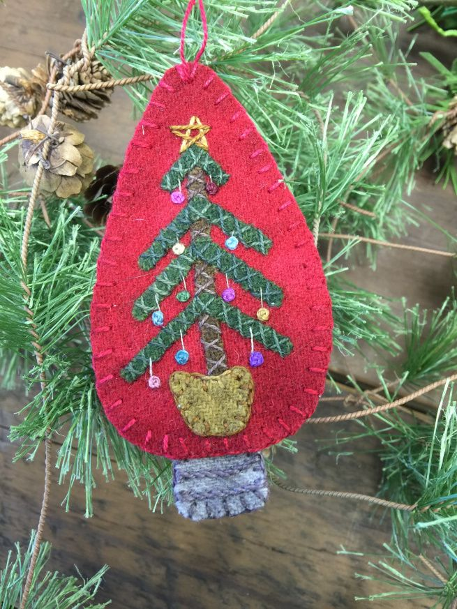lisa bongean christmas light ornament in wool