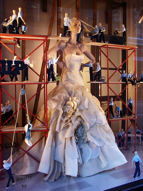 Beautiful Window Displays!: kleinfeld