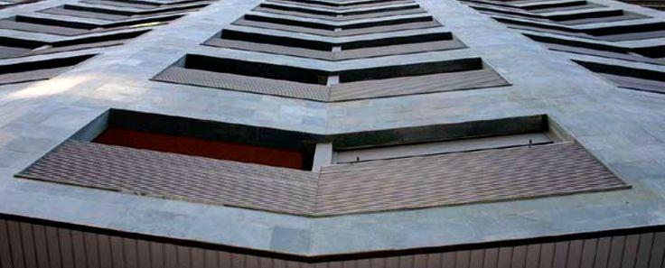 PIZARRA VERDE GUYANA CUPA STONE para un edificio de viviendas en Zaragoza | #piedra #fachada #arquitectura #design #exterior #inspiración