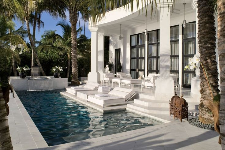 Can a pool be more elegant than this?