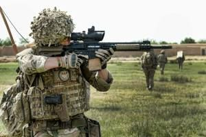Which are better for battle, iron sites or a scope? - American Preppers Online