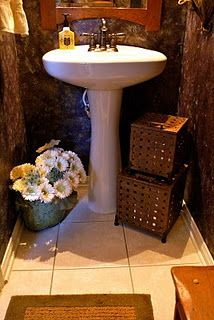 Ways to organize the bath. Little powder room. Storage ideas.