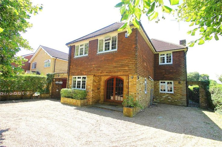 London Road, #Langley £950,000 Freehold  RENOVATED! Six double #bedroom detached family #home situated in CASTLEVIEW area very spacious 29ft lounge 16ft sitting room 14ft dining room newly fitted 19ft kitchen-breakfast room