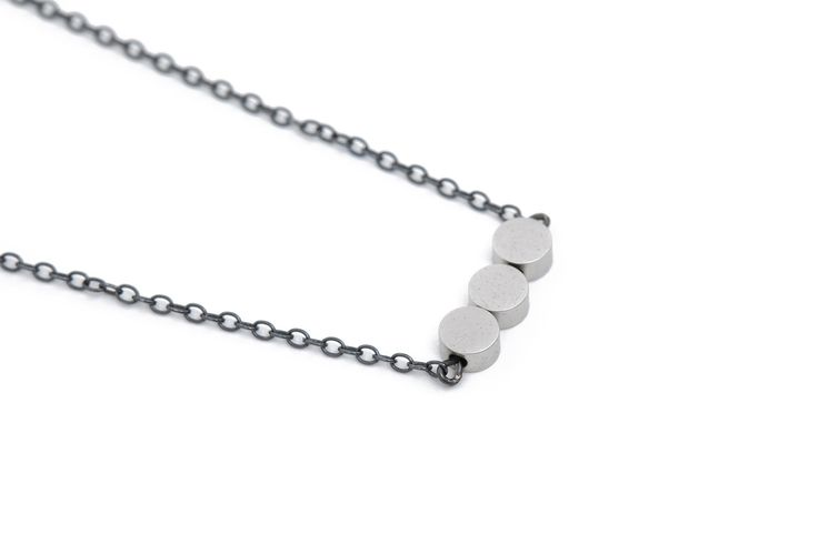 Rose gold, matte silver & gold necklace w. oxidized silver chain