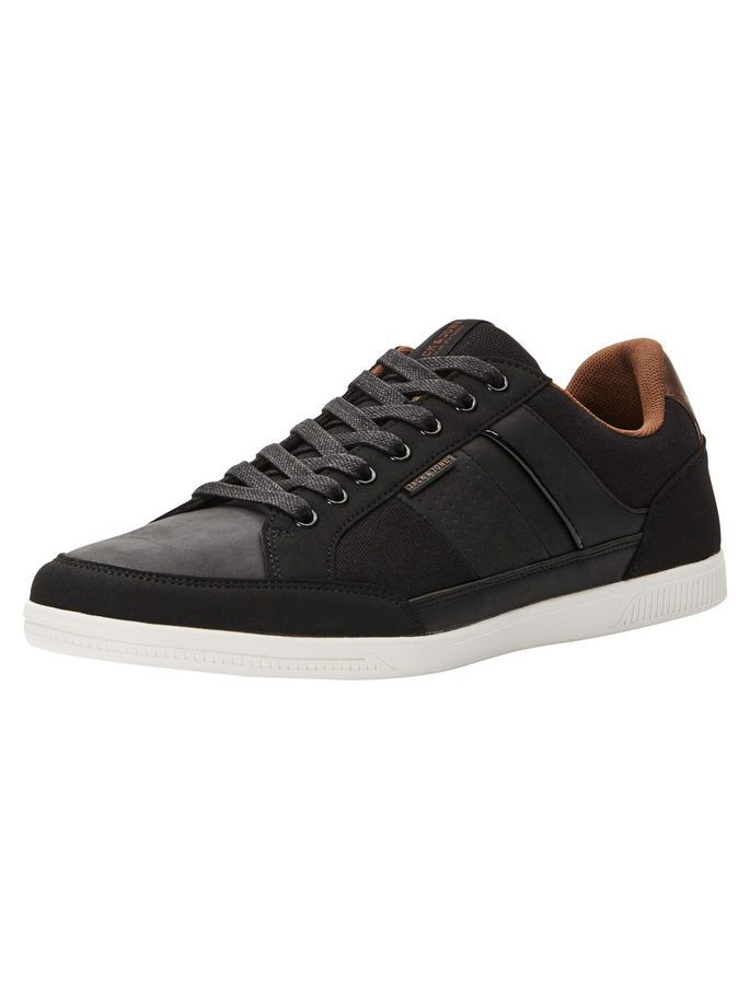 Classic black trainers with a subtle and sophisticated detailing, with padding in collar for increased comfort | JACK & JONES #footwear #sneakers #sneaks