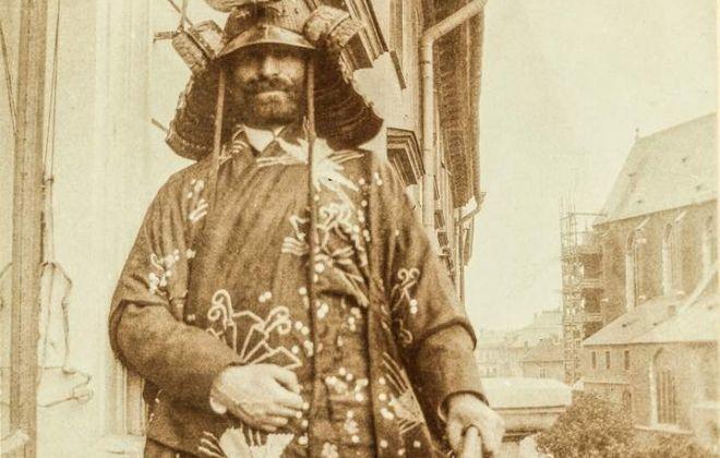 Samuraj na krakowskim Rynku | Tygodnik Powszechny