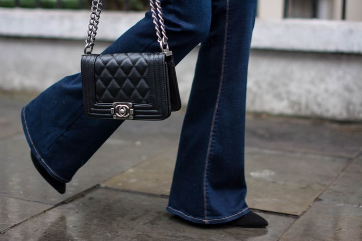 EJSTYLE-Zara-flared-jeans-Chanel-boy-bag-black-small-Street-style-2015-Fashion-blogger-OOTD-Winter-outfit