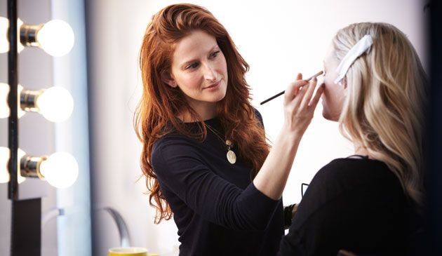 Картинки по запросу make up artist on set