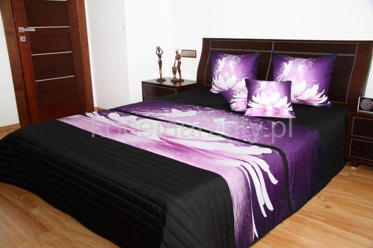 Czarne 3D narzuty na łóżko z fioletową lilią