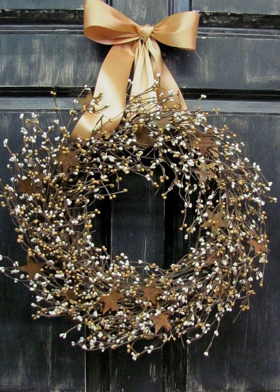 Primitive Country Home - Otoño Puerta Wreath - Puerta principal de la guirnalda - Mostaza Marfil Berry Rusty Tin Star Wreath Primitiva - Rusty Estrellas - Rústico