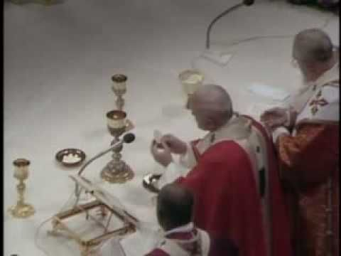 Pope John Paul II reads the Latin Canon of the Mass of the feast of the saints Peter and Paul, June 29th 1985 in the Saint Peter Basilica, up to the acclamations. Then he chants the Pater Noster