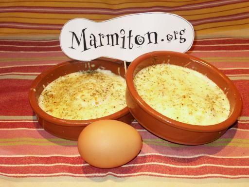 Oeufs cocotte au cantal : Recette d'Oeufs cocotte au cantal - Marmiton