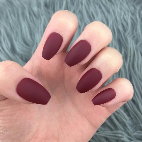 Short Maroon Press On Nails Short Coffin Press On Nails Etsy In 2020 Burgundy Acrylic Nails Maroon Nails Fake Nails