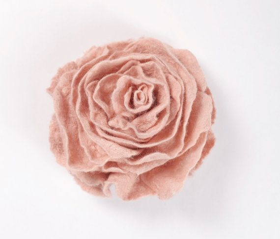 Elegant hand felted brooch, beautiful dusty pink rose. Wear this brooch to accent clothing, hats, and bags. You could also use it as a closure for scarves and capes. ❥ Soft and tender on your skin, my wool designs provide excellent thermoregulation and keep your look unique and stylish whole day long. Felted wool garments surround your body with absolute comfort and enable your skin to breathe. ❥ Please note that each order is a unique garment and slightly vary from the photo. ♥ SIZING ...