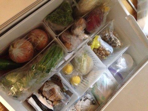 野菜室収納には紙袋がおすすめ!冷蔵庫収納アイデアまとめ   iemo[イエモ]