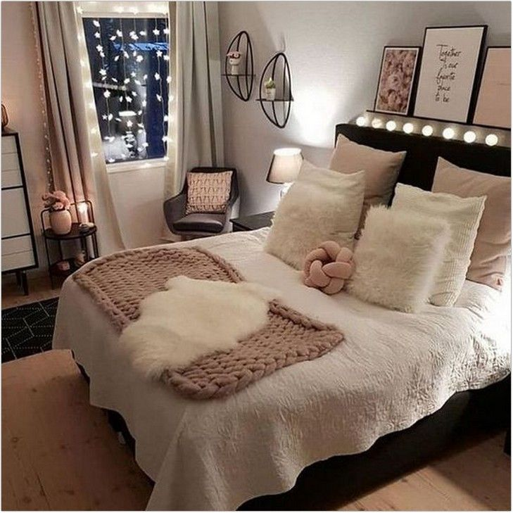 40 Cozy Bedroom Decorations And Shining Design Tips For A Warm Small Bedroom 3 Dreamsscape Small Space Living Room Stylish Bedroom Design Bedroom Design