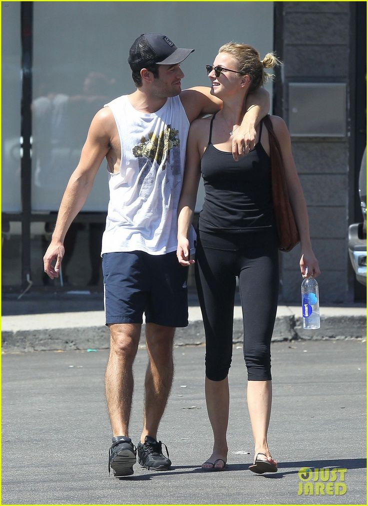 Emily VanCamp & Josh Bowman <3 <3 couples that workout together: