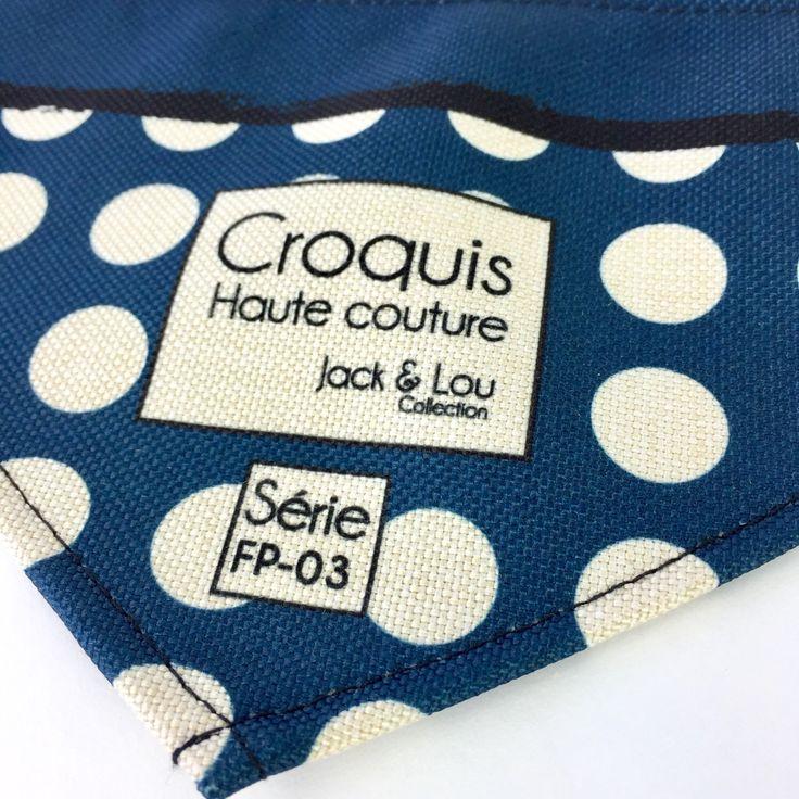 Le chouchou de ma boutique https://www.etsy.com/ca-fr/listing/513641625/foulard-pour-chiengrandeur-petitboutons