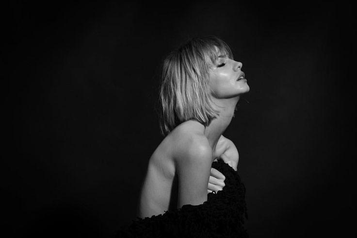 "Bella Project na Instagramie: ""Natalia @nataliachmielik @katarzynasobura @bella_project_by_cyron @robby_cyron #bella_project #bnw #sensual #blondehair #skin #model #profilepic #fashionphotography #photo #beautyful #beautyphotography"""