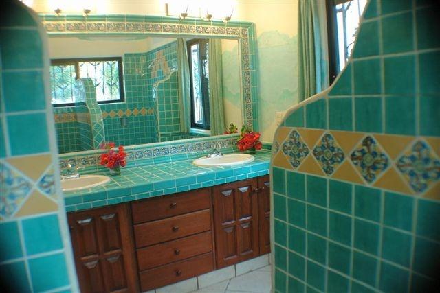 Talavera bathroom 3