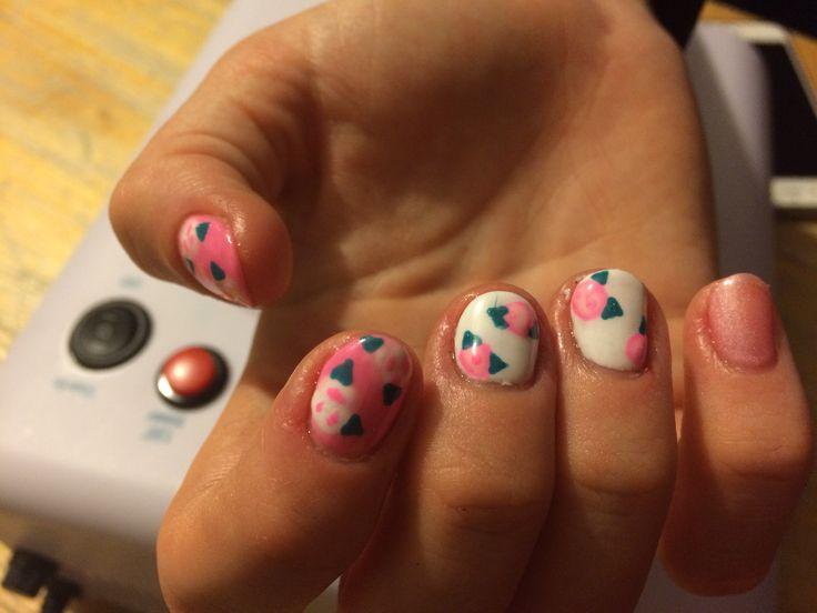 Floral gel nails