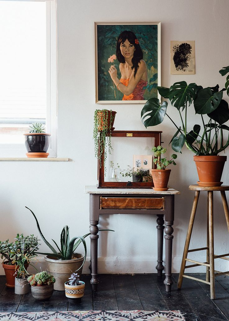 Mid century Bohemian details and plants on plants. 2017 Interior Trends.