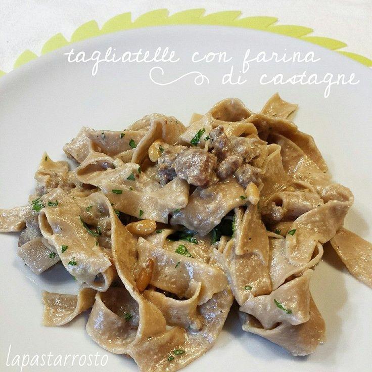 Tagliatelle alla farina di castagne, alla salsiccia e pinoli - tagliatelle, pasta, farina di castagne, salsiccia, pinoli, sausage, pine nuts...