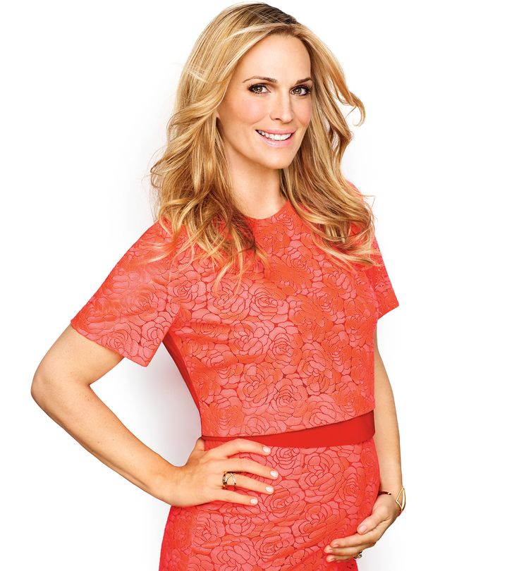 Molly Sims, pregnant with her second child at age 41, told Fit Pregnancy she doesn't regret starting her family later -- more here