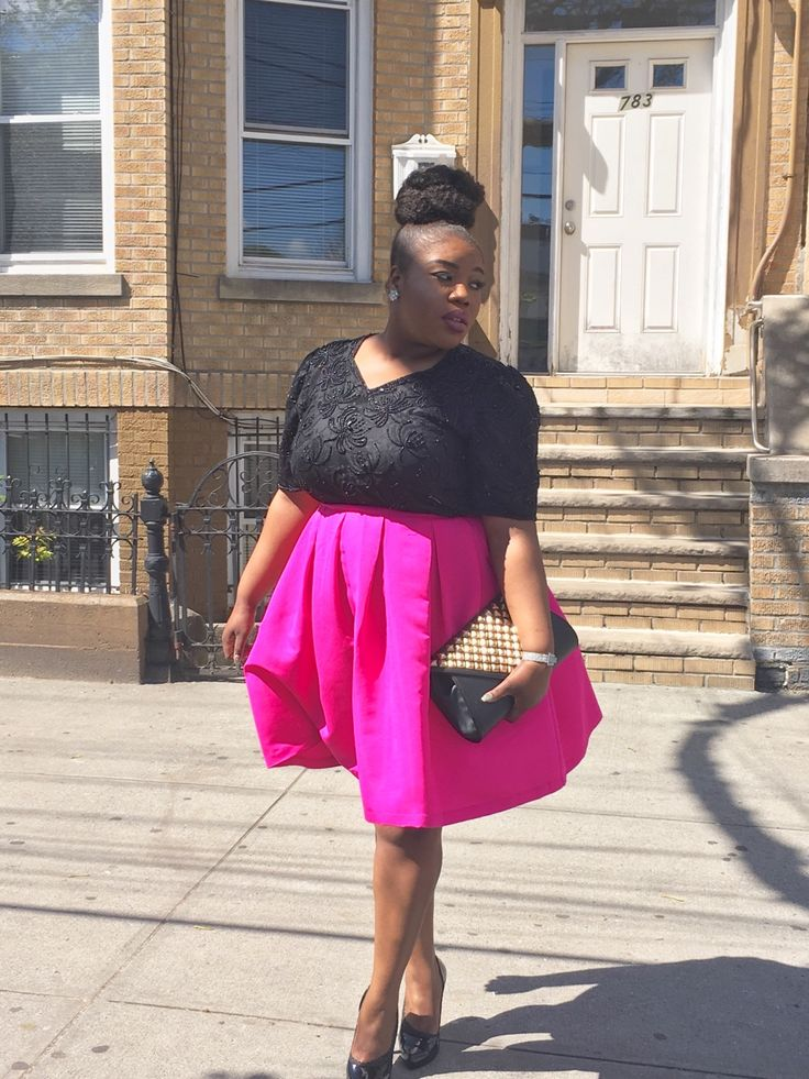 Instagram: talented2324Tumblr: ellathina23Skirt: Forever21Top: thriftedShoes: thrifted (Jessica Simpson)Clutch: Marshalls Close