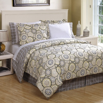 grey and yellow bedding bought king size on clearance at meijer for 35 today prettier in. Black Bedroom Furniture Sets. Home Design Ideas