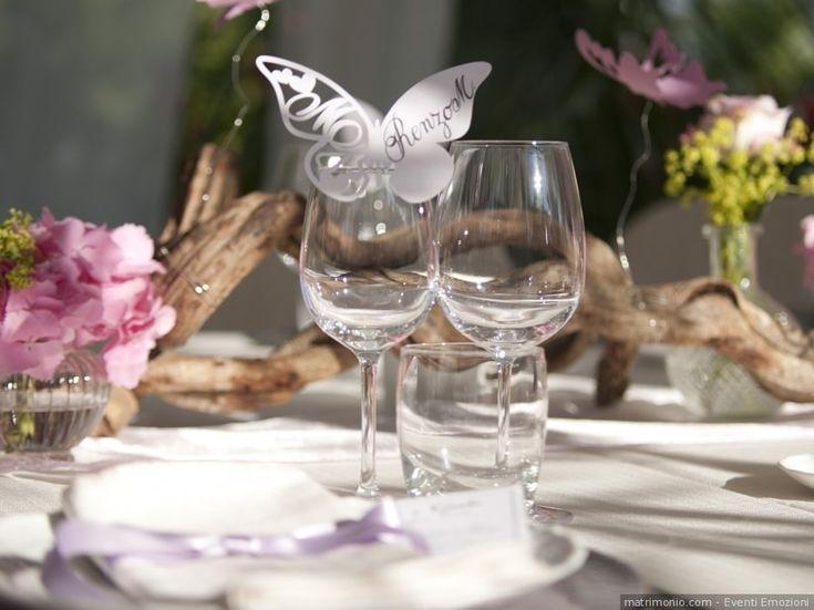 Segnaposto di nozze con tema farfalle. DIY di carta e personalizzazione con nome dell'invitato
