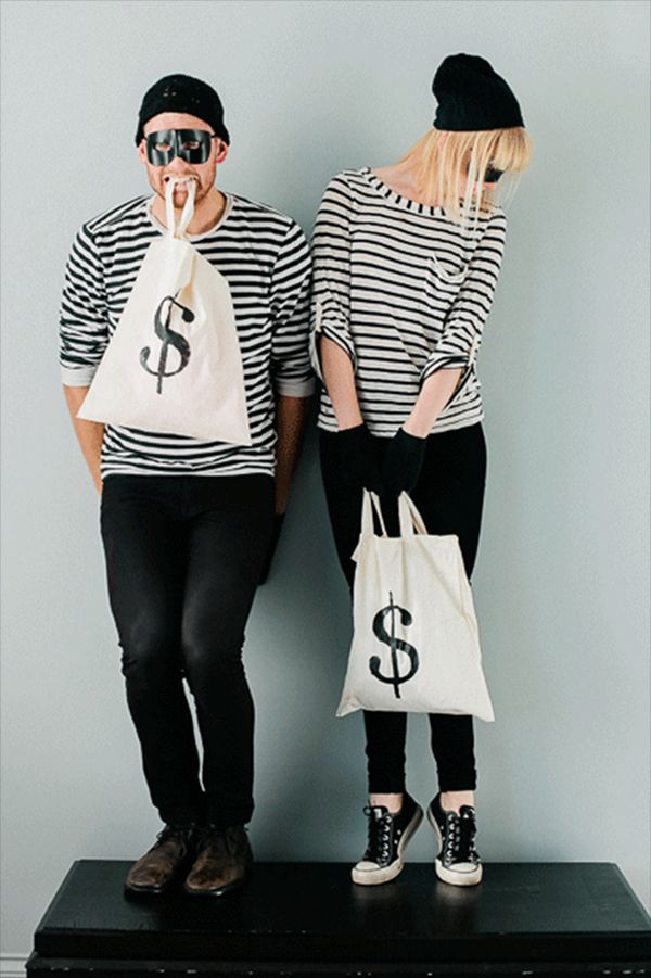 Easy, last-minute DIY Halloween Costume #Goodwill #Costumes #DIY #Couples