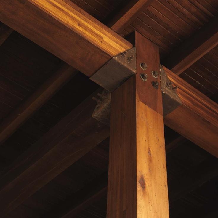 Post + beam detail. Casa Villa del Rey / Carlos M Teixeira (Vazio S/A)