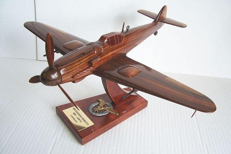 Messerschmitt ME 109G. Holzmodelle der deutschen Militärflugzeuge aus dem Ersten und Zweiten Weltkrieg