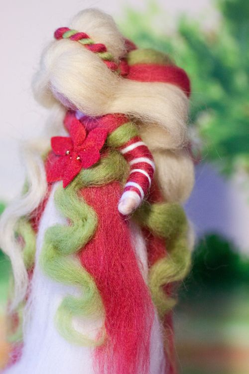 wool fairy, Weihnachtsfee aus Märchenwolle, fairy, felt, wool, craft, jahreszeitentisch, märchenwolle, waldorf, xmas https://www.facebook.com/Colorspell