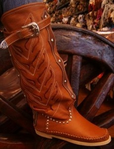 Héctor Riccione boots