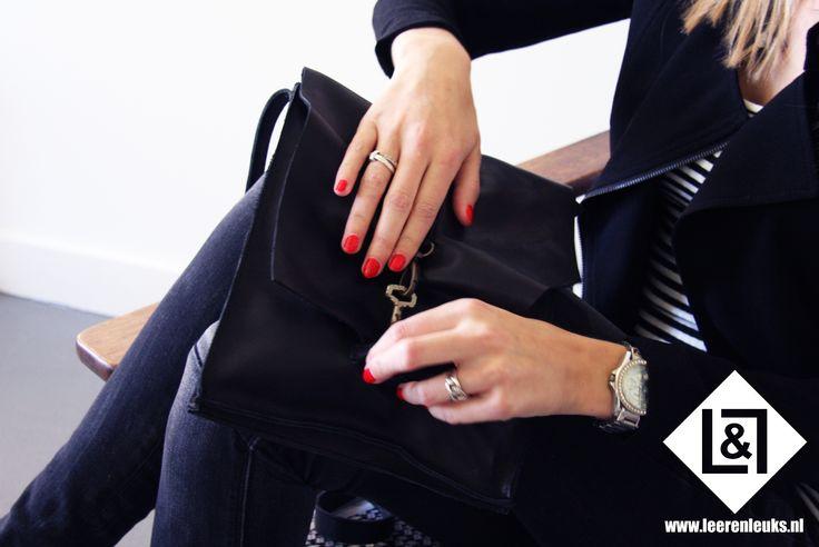 Festival Bag met keysluiting: fijn tasje voor een bezoek aan je favoriete festival of gezellig avondje uit. Vast te maken met een leuke Key sluiting.
