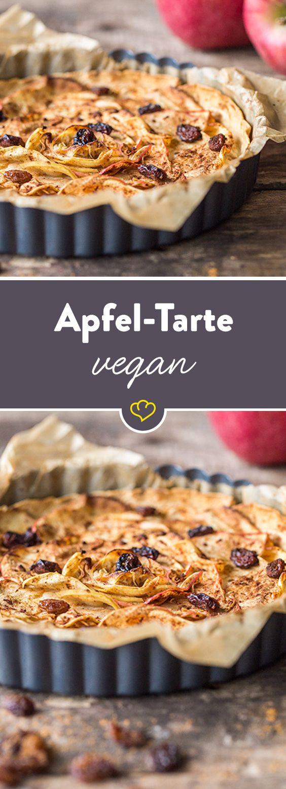 Tricksen Sie Ihren Heißhunger auf Süßes doch mal aus. Unsere Tarte kommt ganz ohne zusätzlichen Zucker aus und schmeckt herrlich nach frischen Äpfeln.