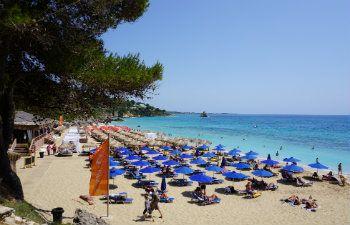 7 mooiste stranden van Kefalonia Makris Gialos beach