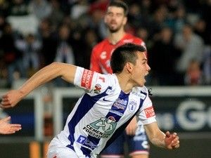 Report: Manchester City close to sealing Hirving Lozano deal