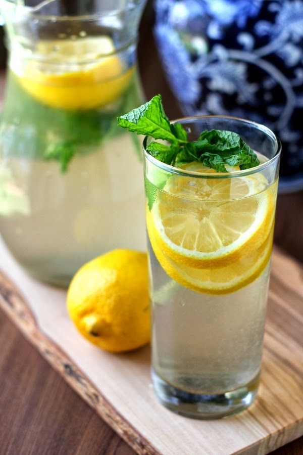 Cinnamon-Lemon Water with mint and vanilla -- slimming, detoxifying for any phase!