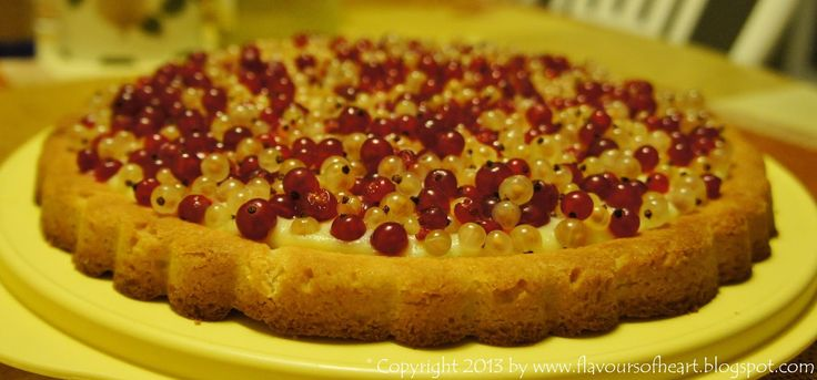 #tart with white and red #currant