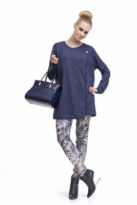 Elegantný dámsky tmavomodrý sveter značky LADY M.  www.avous.sk/novinky
