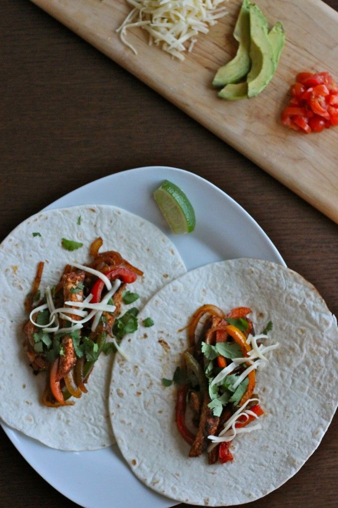 weeknight Chicken Fajitas + an easy how-to on making a homemade fajita ...