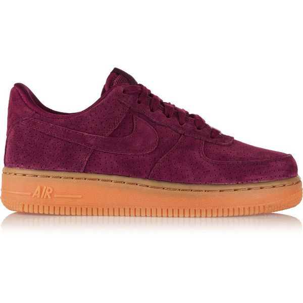 Nike Air Force 1 07 suede sneakers (125 CAD) ❤ liked on Polyvore featuring shoes, sneakers, nike, red, nike footwear, suede lace up shoes, suede shoes, red sneakers и red trainer