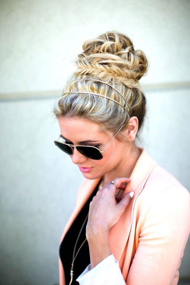 Obsessed with this fishtail bun.