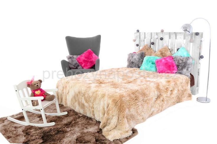 OMBRE béžové chlupaté deky na postel