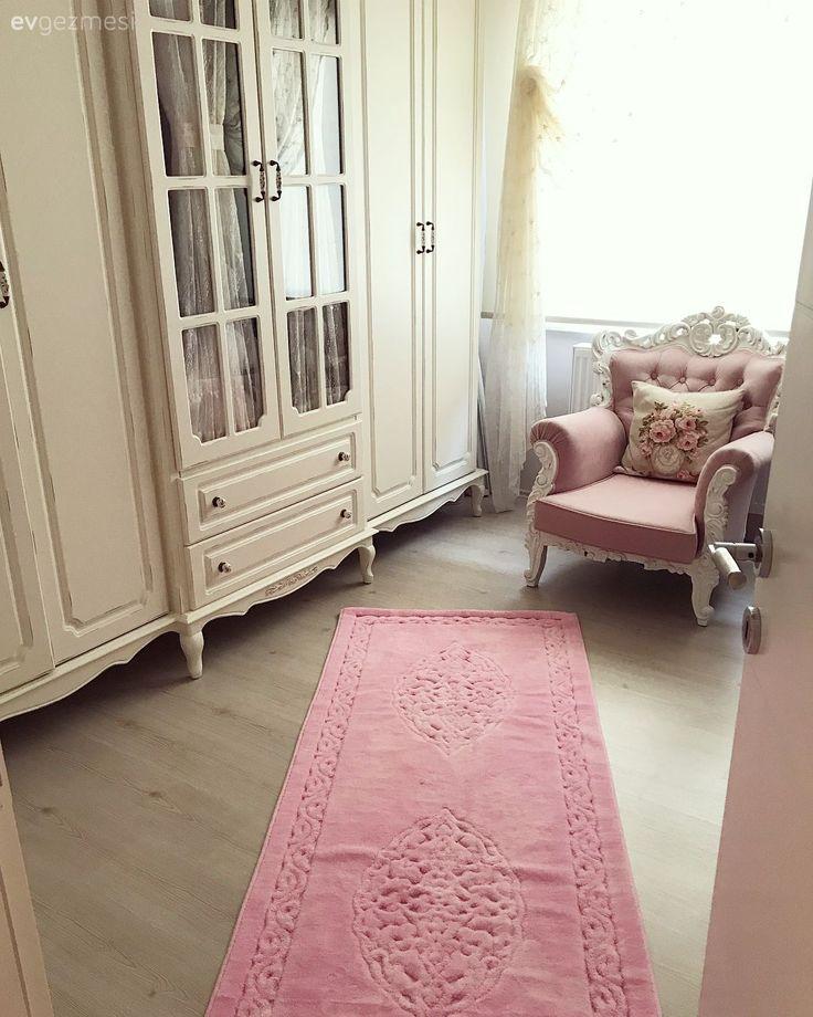 Pastellerin hakimiyetinde feminen ve şık bir dekor.. Pınar hanımın çiçekler açan evi.