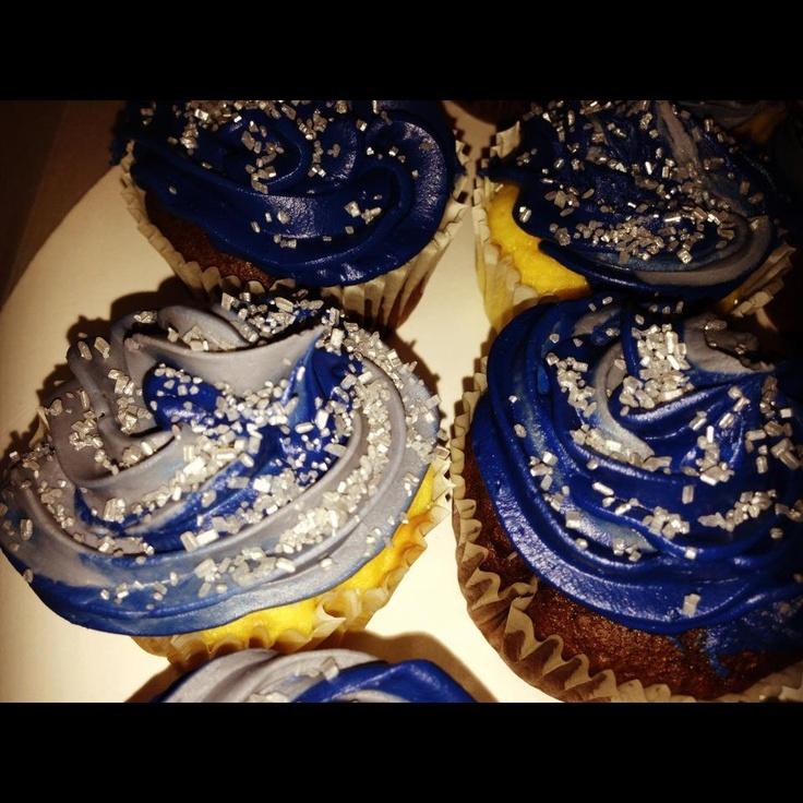 Dallas Cowboys colored cupcakes