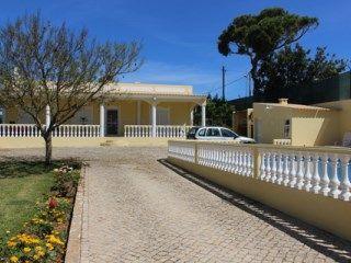 3 bedroom Villa in Almancil | 3 Bedrooms
